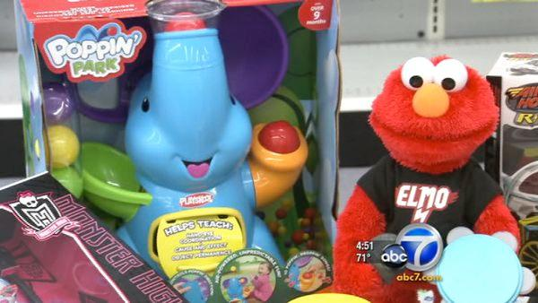 Elmo, dancing robot make 2011 'Hot Toy' list