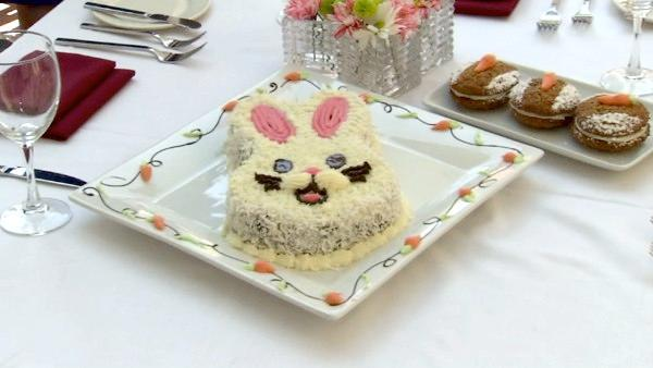 Whether it's a cozy brunch for two at home or a traditional brunch buffet for the whole family, there are Easter specials all over town. ABC7's Alysha Del Valle visited a couple of tasty choices in Los Angeles.
