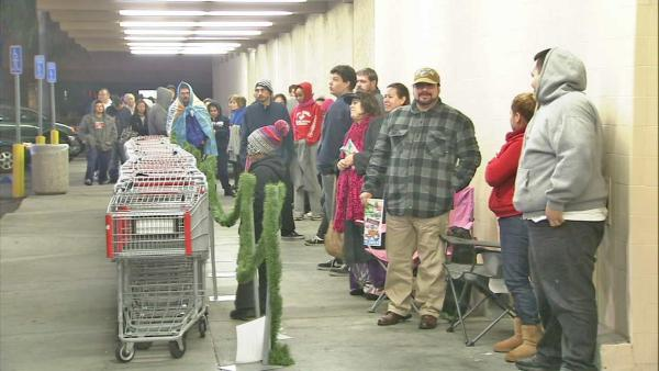 Early shoppers get deals before Black Friday