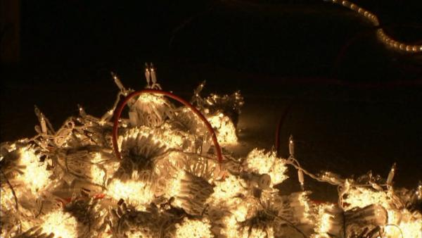 Safety tips for hanging holiday lights