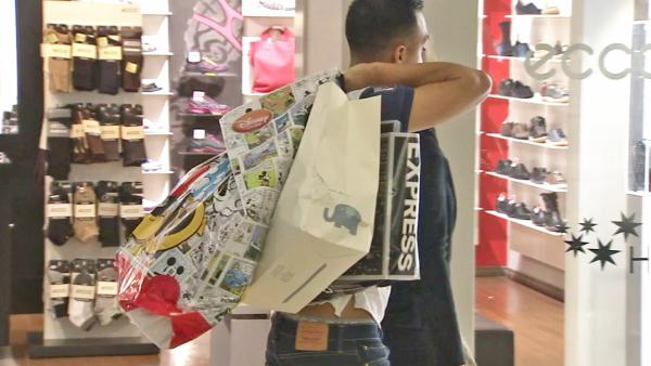 Shoppers flock to stores for last-minute gifts