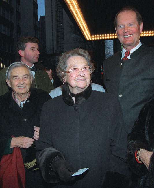 Agathe von Trapp, center, arrives with her sister, Maria, and brother, Johannes, right, at the Martin Beck Theatre to see the Broadway musical 'The Sound of Music' on March 12, 1998, in New York. Agathe von Trapp died Tuesday, Dec. 29, 2010.
