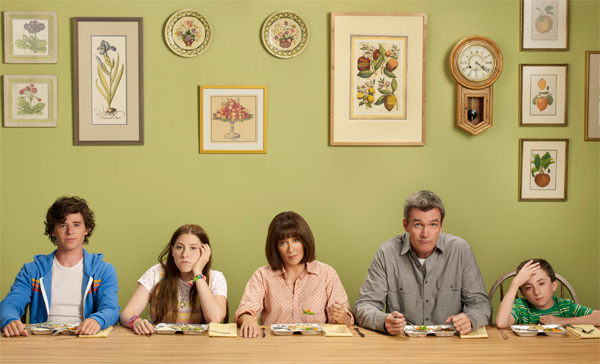 "<div class=""meta ""><span class=""caption-text "">'The Middle,' starring Patricia Heaton and Neil Flynn, premieres its third season with a special one-hour episode on Sept. 21, 2011 from 8 to 9 p.m. It will then return to its regular timeslot on Wednesdays from 8 to 8:30 p.m.  In the Season 3 premiere, the Hecks go on a family vacation before school starts.  Ray Romano guest stars. (ABC / Diana Koenigsberg)</span></div>"