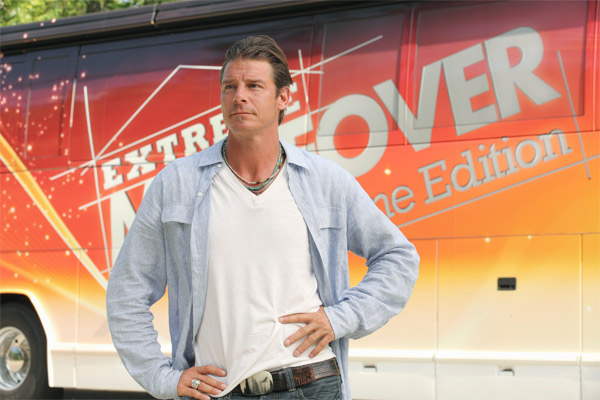 &#39;Extreme Makeover: Home Edition&#39; returns for its 9th season with a special two-hour premiere on Sept. 25, 2011 from 7 to 9 p.m.  It will then return to its regular time Sundays from 8 to 9 p.m., until Oct. 21, 2011, when the reality show moves to its new Friday timeslot at 8 p.m.   First Lady Michelle Obama appears in the season premiere. As part of her Joining Forces initiative, Mrs. Obama participated in the episode featuring the Marshalls, a military family based in Fayetteville, NC.  <span class=meta>(ABC &#47; Michael Tackett)</span>