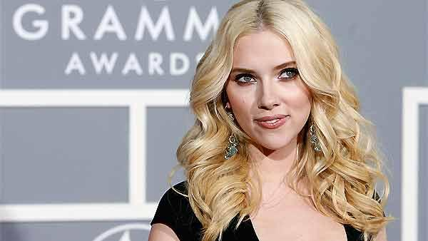 Scarlett Johansson target of nude photo hack?