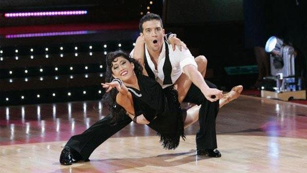 Figure skater Kristi Yamaguchi and partner Mark Ballas won the top spot in Season 6 of 'Dancing With the Stars.'