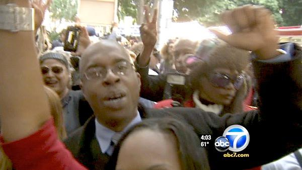 MJ fans erupt in cheers over guilty verdict