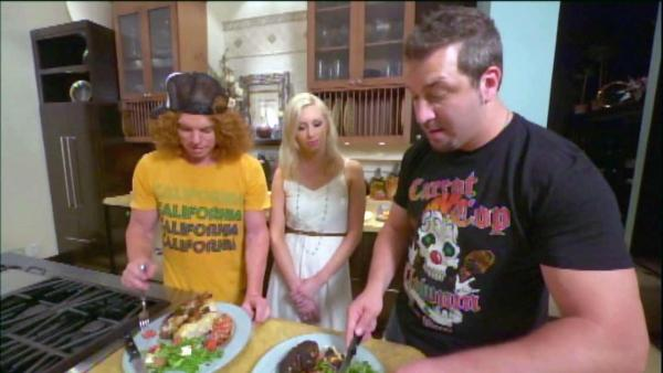 New Joey Fatone show tries your family recipes