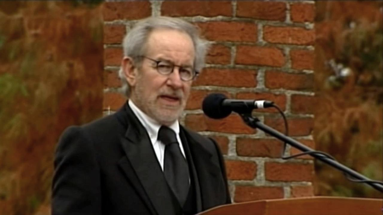Director Steven Spielberg speaks at a ceremony to mark the 149th anniversary of President Abraham Lincolns delivery of the Gettysburg Address at Soldiers National Cemetery in Gettysburg, Pa., Monday, Nov. 19, 2012.