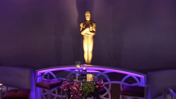 The Governors Ball is set to take place in The Ray Dolby Ballroom at the Hollywood & Highland Center. It will feature a 120-foot chandelier in an intimate ballroom designed in warm shades of aubergine, chartreuse and champagne.