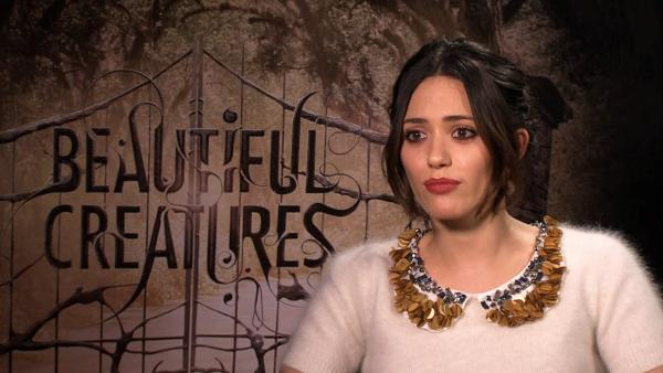 Rossum shows dark side in 'Beautiful Creatures'