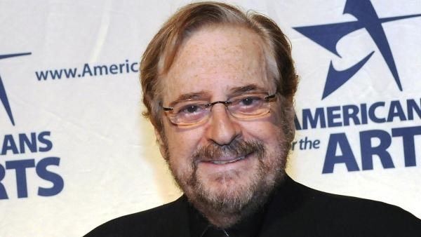 Phil Ramone, the Grammy Award-winning engineer and producer whose platinum touch included recordings with Ray Charles, Billy Joel and Paul Simon, has died. He was 72.