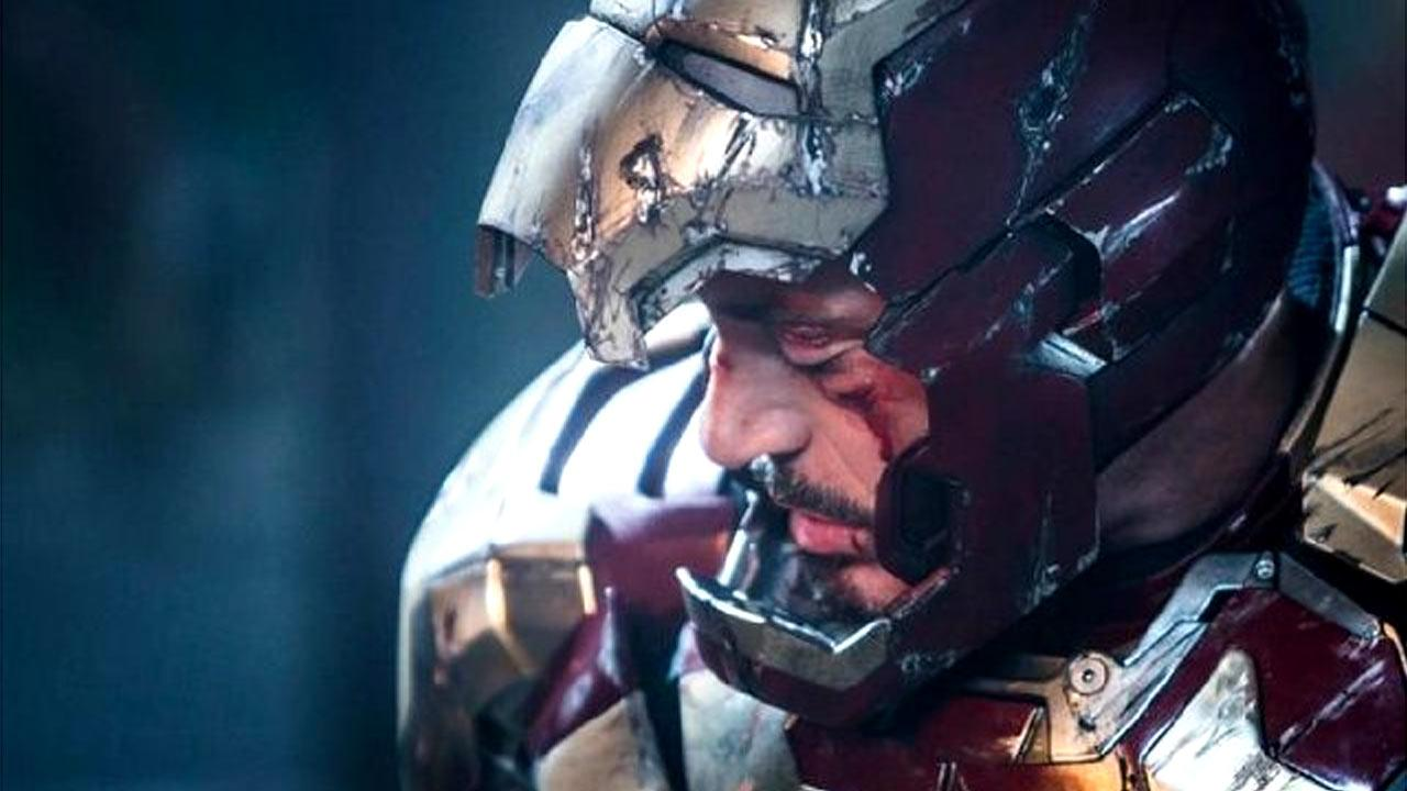 Still of Robert Downey Jr. in Iron Man 3.