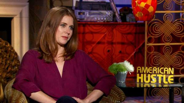 Amy Adams talks playing sexy con artist