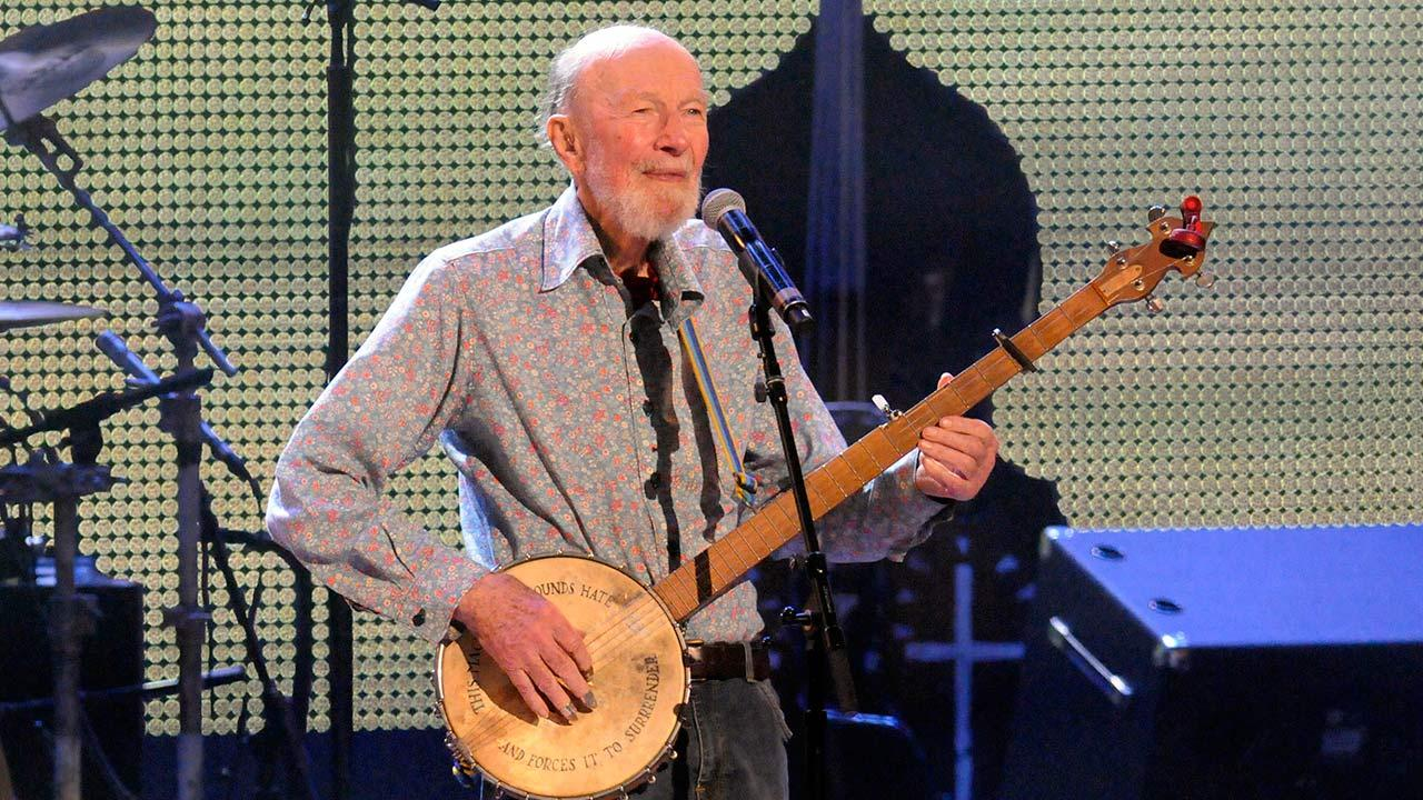 Pete Seeger performs on stage during the Farm Aid 2013 concert at Saratoga Performing Arts Center in Saratoga Springs, N.Y., Saturday, Sept. 21, 2013. <span class=meta>(Hans Pennink)</span>