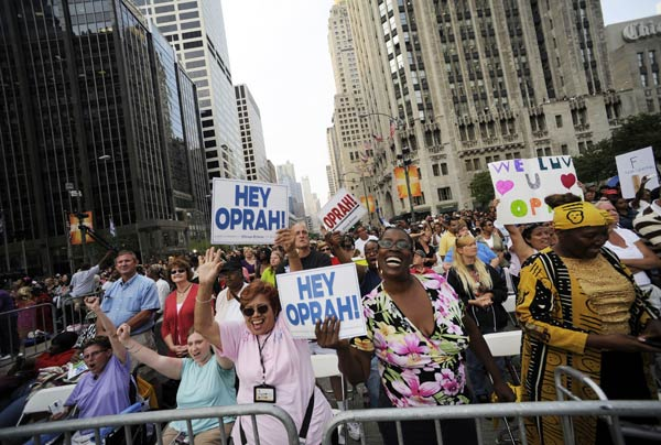 "<div class=""meta ""><span class=""caption-text "">Oprah.com receives approximately 25,000 emails on a weekly basis.  Photo: Thousands of fans watch the taping of 'The Oprah Winfrey Show' in Chicago on Sept. 8, 2009.  (AP Photo/David Banks)</span></div>"