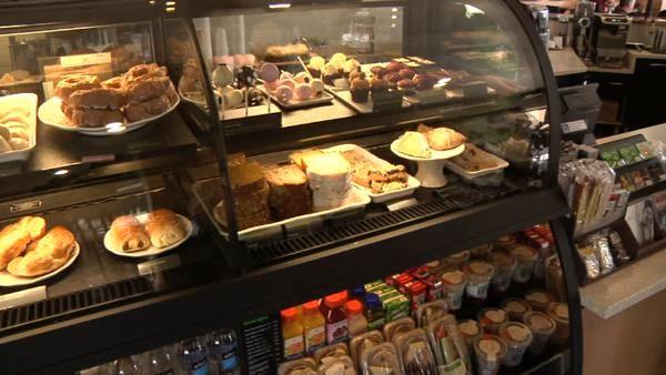 It used to be that breakfast choices at a coffee shop were calorie-rich sweets, ranging from scones to chocolate chip muffins. But today's coffee house has spruced up the display case with items that might just make a nutritionist smile.