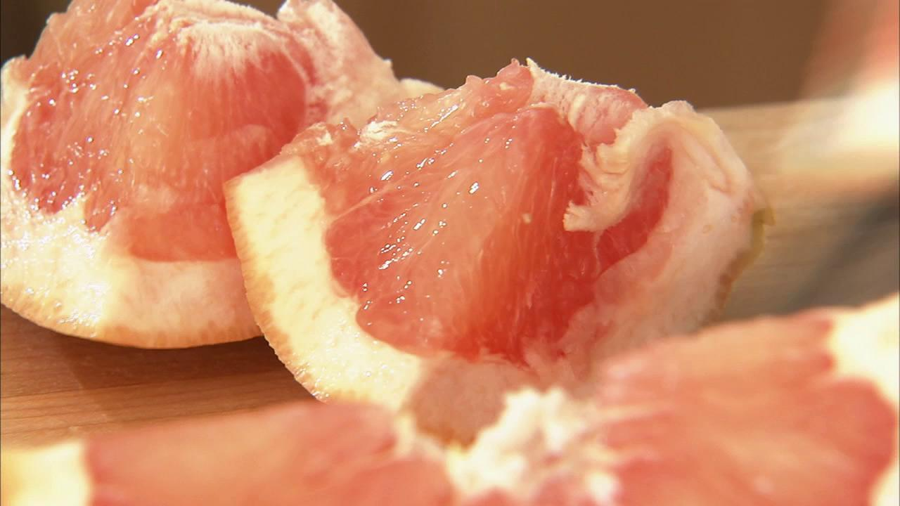 Its been a long time since the grapefruit diet was popular, but recent research shows, on average, women who consumed grapefruit or its juice weighed nearly 10 pounds less with lower body fat than non-grapefruit eating counterparts.