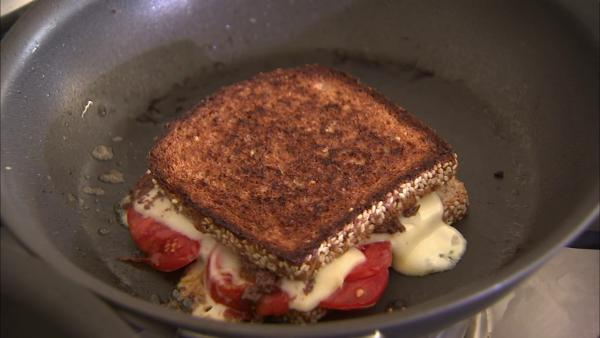 It's not often you hear someone having a grilled cheese sandwich when watching weight. But you can actually make it healthy and tasty if you get creative with it.