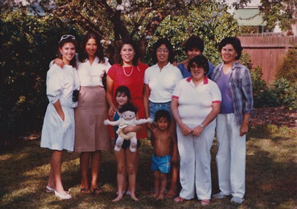 Miriam Hernandez of the ABC7 Eyewitness News team with her mother and sisters. <span class=meta>(Miriam Hernandez)</span>