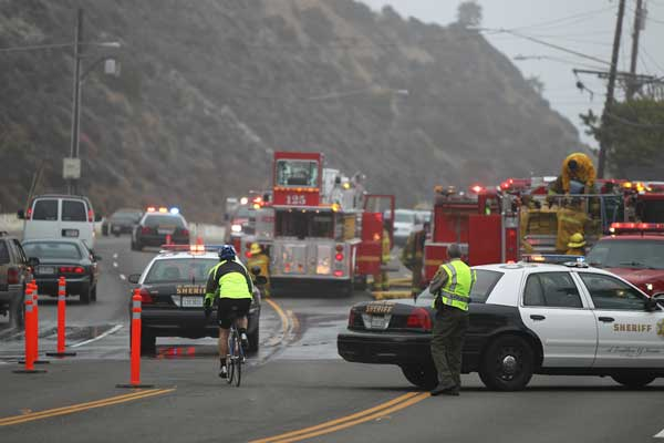 Ricki Lake&#39;s Malibu home caught fire, forcing her, her two sons and their dog to evacuate Saturday, Sept. 18, 2010. <span class=meta>(Samuel Womack)</span>