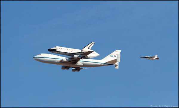 ABC7 viewer Paul Lopez took this photo of space shuttle Endeavour over Rosamond on Friday, Sept. 21, 2012. &#160;Send us your shuttle pictures and video to video@abc7.com or post them to the ABC7 Facebook page. You can also Tweet us @abc7 with #SpotTheShuttle. <span class=meta>(ABC7 viewer Paul Lopez)</span>