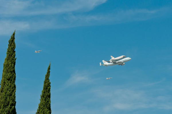 ABC7 viewer Ruby Vargas Lainez took this photo of space shuttle Endeavour flying over Paramount on Friday, Sept. 21, 2012. &#160;Send us your shuttle pictures and video to video@abc7.com or post them to the ABC7 Facebook page. You can also Tweet us @abc7 with #SpotTheShuttle. <span class=meta>(ABC7 viewer Ruby Vargas Lainez)</span>