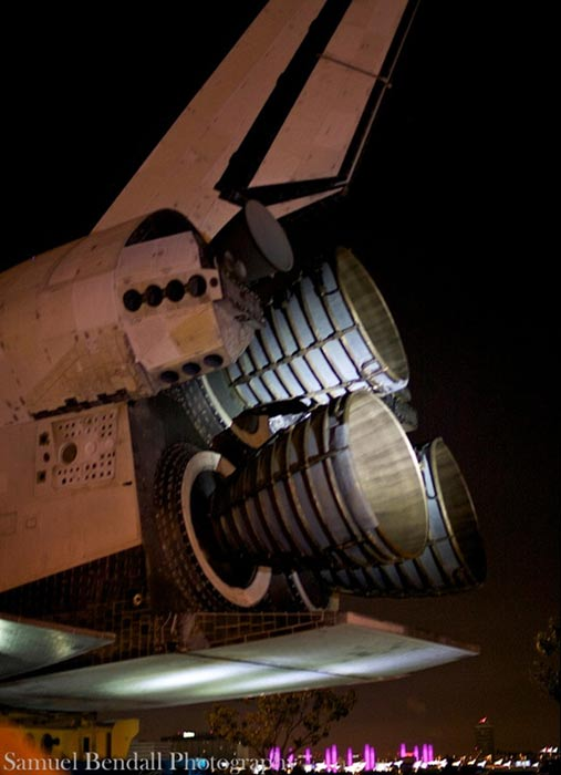 "<div class=""meta ""><span class=""caption-text "">ABC7 viewer Samuel Bendall took this picture of space shuttle Endeavour on Friday, Oct. 12, 2012.  Send us your shuttle pictures and video to video@abc7.com or post them to the ABC7 Facebook page. You can also Tweet us @abc7 with #SpotTheShuttle. (ABC7 viewer Samuel Bendall)</span></div>"