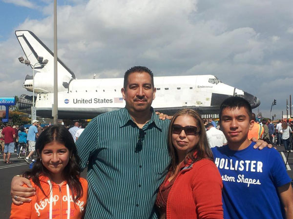 "<div class=""meta image-caption""><div class=""origin-logo origin-image ""><span></span></div><span class=""caption-text"">ABC7 viewer Rudy Casarez posted this photo on our Facebook page of the space shuttle Endeavour on Friday, Oct. 12, 2012.  Send us your shuttle pictures and video to video@abc7.com or post them to the ABC7 Facebook page. You can also Tweet us @abc7 with #SpotTheShuttle. (ABC7 viewer Rudy Casarez)</span></div>"