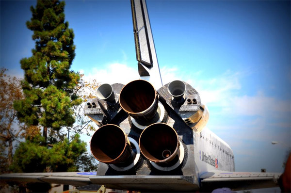 ABC7 viewer Dhanalakshmi Thirumalai posted this photo on our Facebook page of space shuttle Endeavour on Saturday, Oct. 13, 2012. &#160;Send us your shuttle pictures and video to video@abc7.com or post them to the ABC7 Facebook page. You can also Tweet us @abc7 with #SpotTheShuttle. <span class=meta>(ABC7 viewer Dhanalakshmi Thirumalai)</span>