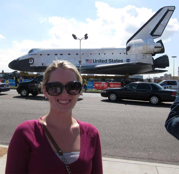 "<div class=""meta ""><span class=""caption-text "">ABC7 viewer Ashley Crocker posted this photo on our Facebook page of space shuttle Endeavour on Friday, Oct. 12, 2012.  Send us your shuttle pictures and video to video@abc7.com or post them to the ABC7 Facebook page. You can also Tweet us @abc7 with #SpotTheShuttle. (ABC7 viewer Ashley Crocker)</span></div>"