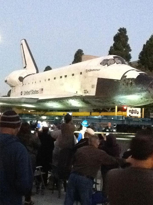 "<div class=""meta ""><span class=""caption-text "">ABC7 viewer Jeanette posted this photo on our Facebook page of space shuttle Endeavour in front of Inglewood City Hall on Saturday, Oct. 13, 2012.  Send us your shuttle pictures and video to video@abc7.com or post them to the ABC7 Facebook page. You can also Tweet us @abc7 with #SpotTheShuttle. (ABC7 viewer Jeanette)</span></div>"