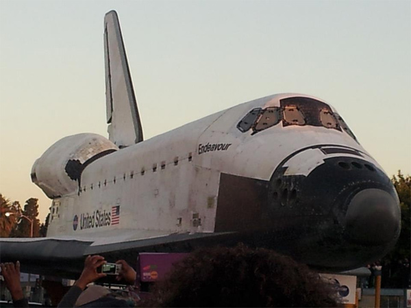 "<div class=""meta image-caption""><div class=""origin-logo origin-image ""><span></span></div><span class=""caption-text"">ABC7 viewer James Ray posted this photo on our Facebook page of space shuttle Endeavour on Saturday, Oct. 13, 2012.  Send us your shuttle pictures and video to video@abc7.com or post them to the ABC7 Facebook page. You can also Tweet us @abc7 with #SpotTheShuttle. (ABC7 viewer James Ray)</span></div>"