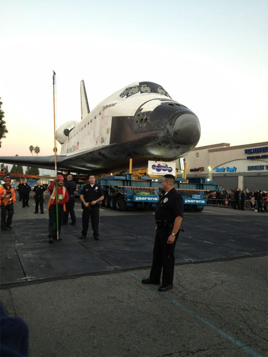 "<div class=""meta image-caption""><div class=""origin-logo origin-image ""><span></span></div><span class=""caption-text"">ABC7 viewer Carmen Guerrero posted this photo of space shuttle Endeavour on Sunday, Oct. 14, 2012.  Send us your shuttle pictures and video to video@abc7.com or post them to the ABC7 Facebook page. You can also Tweet us @abc7 with #SpotTheShuttle. (ABC7 viewer Carmen Guerrero)</span></div>"