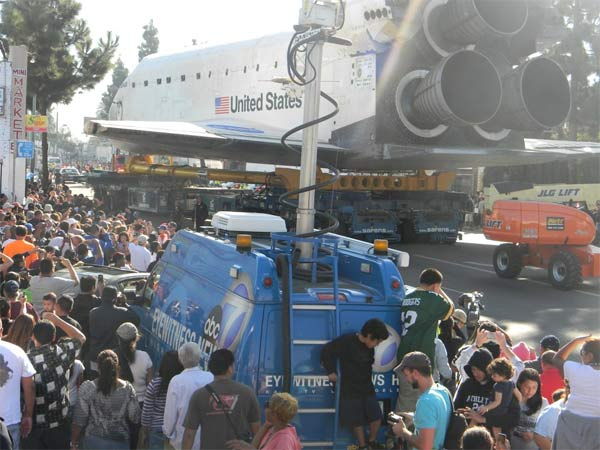 ABC7 viewer Aliesha Nickerson posted this photo on our Facebook page of an Eyewitness News van and space shuttle Endeavour on Sunday, Oct. 14, 2012. &#160;Send us your shuttle pictures and video to video@abc7.com or post them to the ABC7 Facebook page. You can also Tweet us @abc7 with #SpotTheShuttle. <span class=meta>(ABC7 viewer Aliesha Nickerson)</span>