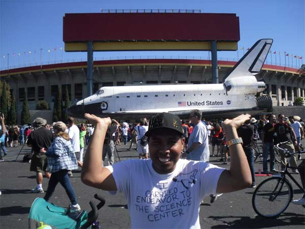ABC7 viewer Steve O Vasquez posted this photo on our Facebook page of space shuttle Endeavour on Sunday, Oct. 14, 2012. &#160;Send us your shuttle pictures and video to video@abc7.com or post them to the ABC7 Facebook page. You can also Tweet us @abc7 with #SpotTheShuttle. <span class=meta>(ABC7 viewer Steve O Vasquez)</span>