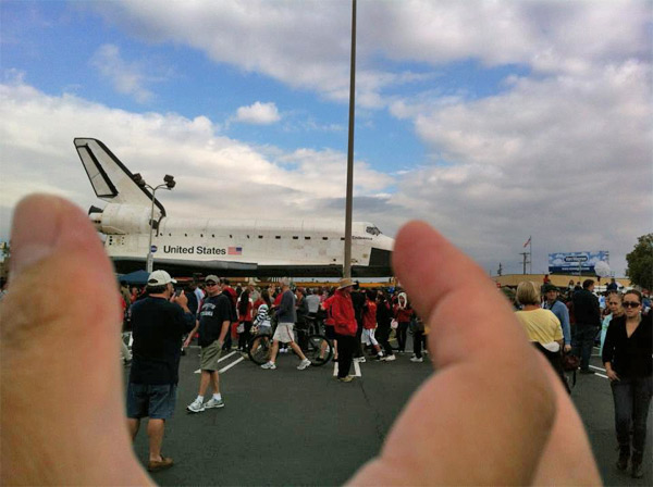 ABC7 viewer Toktok Reyes posted this photo on our Facebook page of space shuttle Endeavour on Saturday, Oct. 13, 2012. &#160;Send us your shuttle pictures and video to video@abc7.com or post them to the ABC7 Facebook page. You can also Tweet us @abc7 with #SpotTheShuttle. <span class=meta>(ABC7 viewer Toktok Reyes)</span>