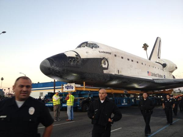 "<div class=""meta ""><span class=""caption-text "">ABC7 viewer Melissa Medina posted this photo of space shuttle Endeavour at the corner of Martin Luther King Jr. Boulevard and Arlington Avenue on Sunday, Oct. 14, 2012.  Send us your shuttle pictures and video to video@abc7.com or post them to the ABC7 Facebook page. You can also Tweet us @abc7 with #SpotTheShuttle. (ABC7 viewer Melissa Medina)</span></div>"