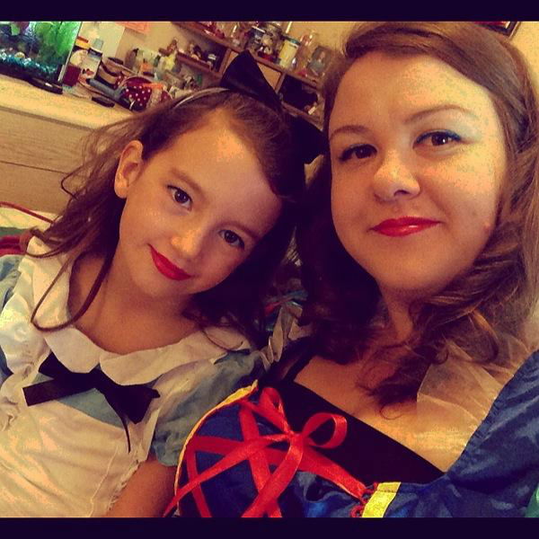 "<div class=""meta ""><span class=""caption-text "">ABC7 viewer Sadie Batts sent us this photo of herself as Snow White and her daughter as Alice in Wonderland. Post your Halloween pictures on our ABC7 Facebook page. (KABC Photo/ ABC7 viewer Sadie Batts)</span></div>"