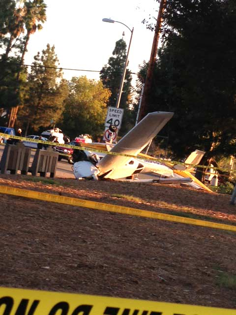A small airplane with two occupants crashed on the California State University, Northridge, campus on Sunday, Nov. 25, 2012. <span class=meta>(Courtesy of ABC7 viewers Katie and Ethan Pak)</span>