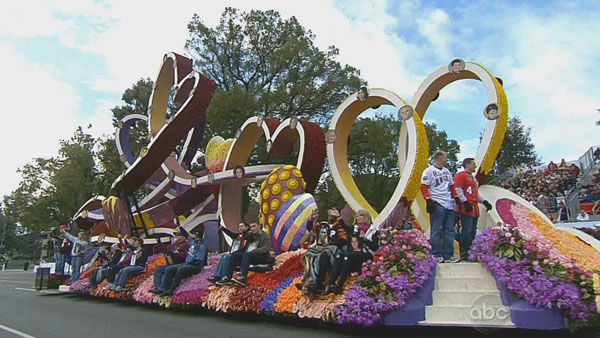 Donate Life&#39;s float passed crowds on Orange Grove Boulevard during the 124th annual Rose Parade in Pasadena Jan. 1, 2013. <span class=meta>(KABC Photo)</span>