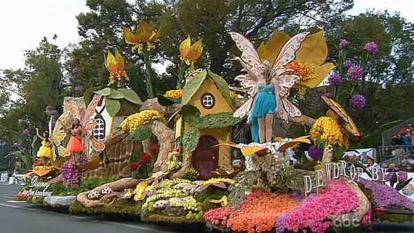 Downey Rose Float Association&#39;s float passed crowds on Orange Grove Boulevard during the 124th annual Rose Parade in Pasadena Jan. 1, 2013. <span class=meta>(KABC Photo)</span>
