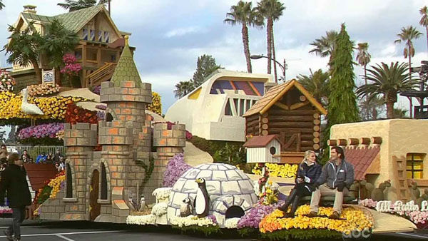HGTV&#39;s float passed crowds on Orange Grove Boulevard during the 124th annual Rose Parade in Pasadena Jan. 1, 2013. <span class=meta>(KABC Photo)</span>