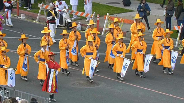 PAVA World Korean Traditional Marching Band marches through Orange Grove Boulevard during the 124th annual Rose Parade in Pasadena Jan. 1, 2013. <span class=meta>(KABC Photo)</span>