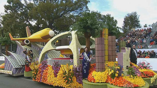 The City of Los Angeles float passed crowds on Orange Grove Boulevard during the 124th annual Rose Parade in Pasadena Jan. 1, 2013. <span class=meta>(KABC Photo)</span>