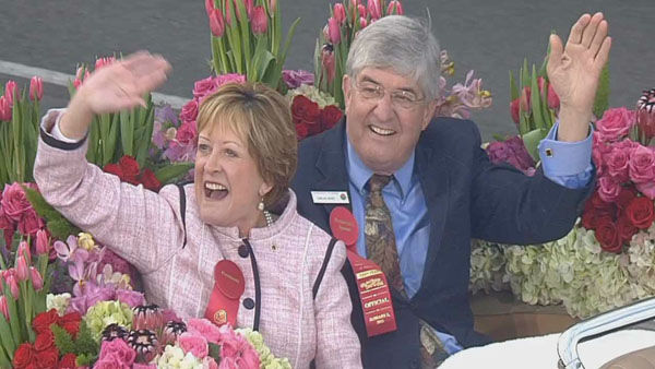 "<div class=""meta ""><span class=""caption-text "">Tournament of Roses president Sally Bixby and her husband waved at the crowds on Orange Grove Boulevard during the 124th annual Rose Parade in Pasadena Jan. 1, 2013. (KABC Photo)</span></div>"