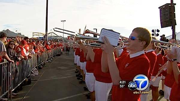 Wisconsin Badgers fans rally in Santa Monica