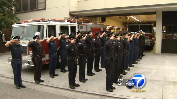 LA fire stations pay tribute on 9/11