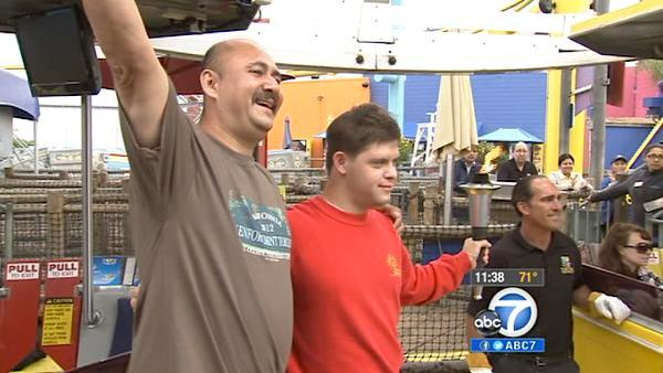 LAPD detective sets Ferris wheel record