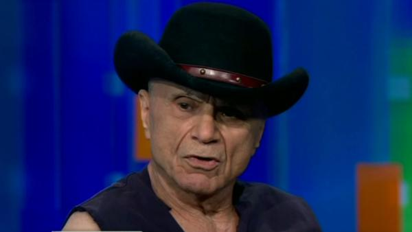 Robert Blake gets defensive during interview